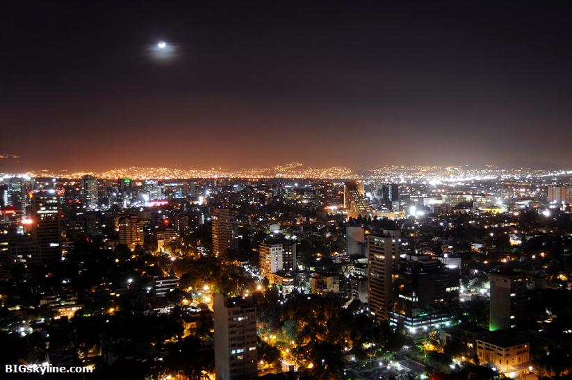 Photograph of Mexico City at night
